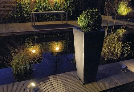 Lux outdoor le sp cialiste luminaires ext rieurs pour le for Specialiste luminaire exterieur